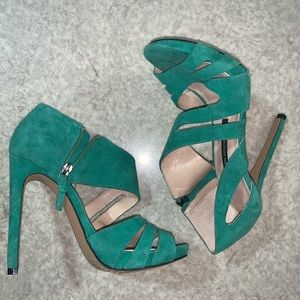 French connection brand green suede leather heels